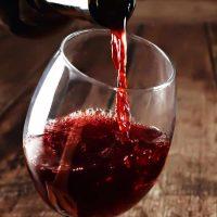 Rotwein-Schwarzeradler